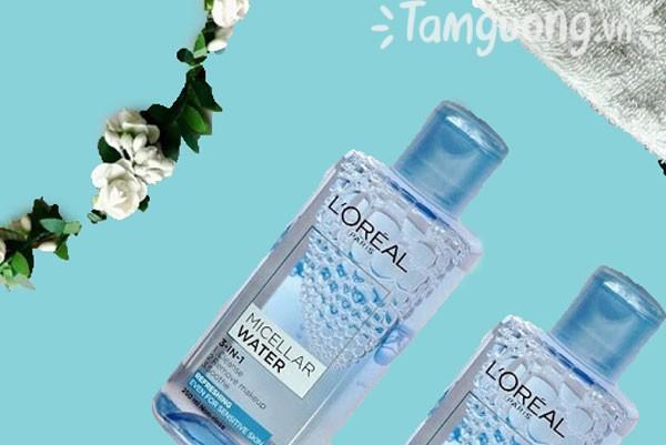 Nước tẩy trang L'Oreal là một sản phẩm hợp lý về giá cả cũng như khả năng làm sạch.