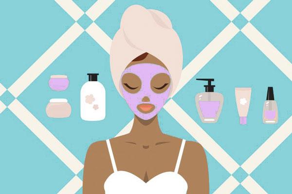 Thoa kem chống nắng là công đoạn bắt buộc trong chu trình skincare của chị em phụ nữ