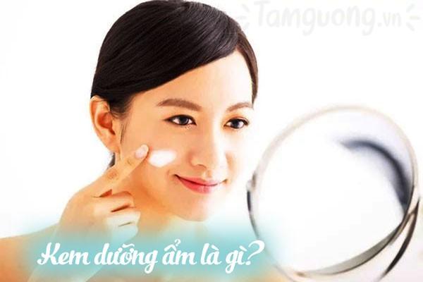 Tại sao cần dùng kem dưỡng ẩm cho da dầu mụn?