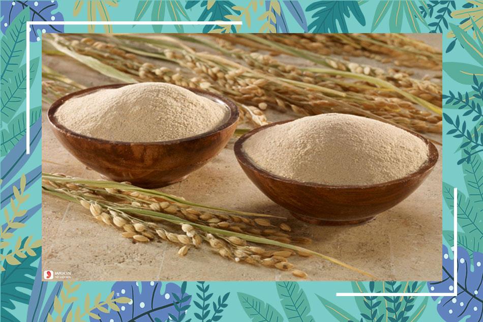 Trị mụn ẩn mụn thâm bằng dầu Oliu và cám gạo