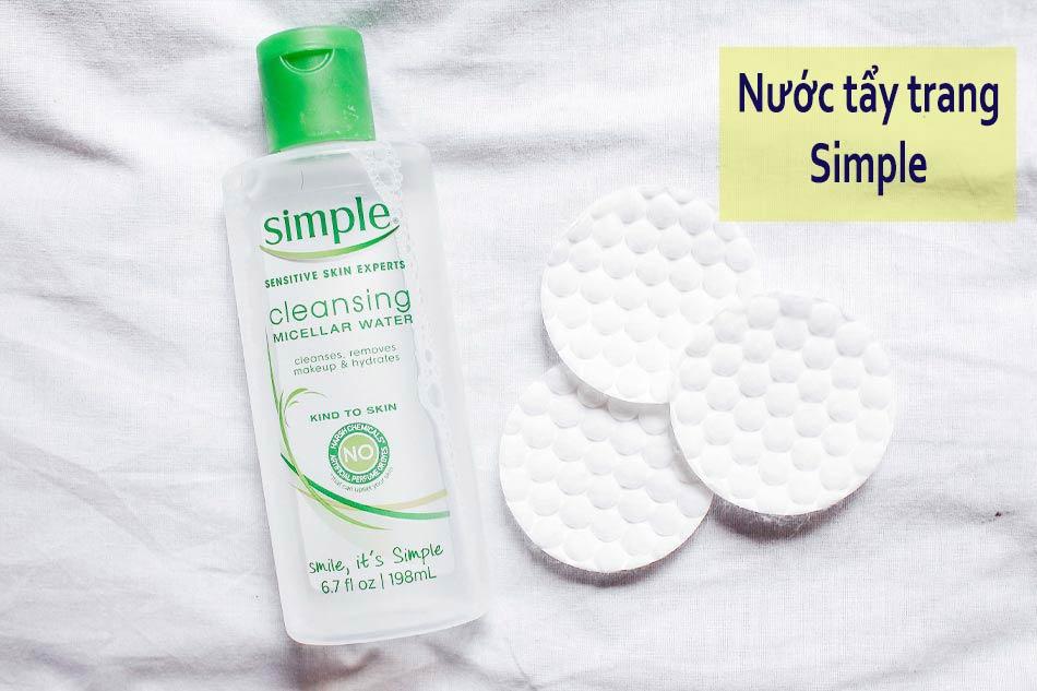 Nước tẩy trang cho da mụn nhạy cảm Simple Sensitive Skin Expert Kind to Skin Cleansing Micellar Water
